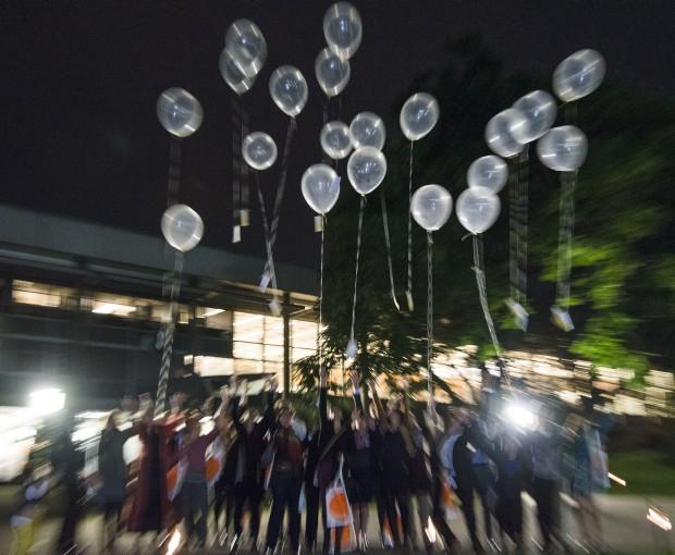 """Die ersten Absolventen des deutsch-arabischen Studiengangs """"Integrated Urbanism & Sustainable Design"""" (IUSD) feiern ihr Examen. Foto: team bildhübsche fotografie"""