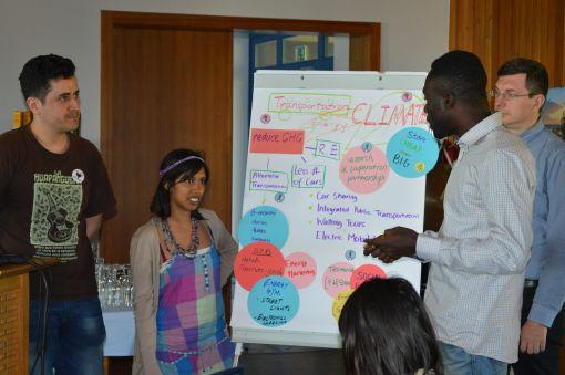 Viele Erkenntisse: Die Gruppen präsentieren ihre Ergebnisse © Esteban Guevara