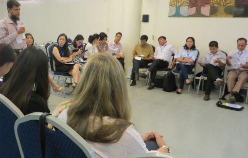 Reger Austausch: Die Teilnehmer diskutieren Erfahrungen und neue Ideen © DAAD Hanoi